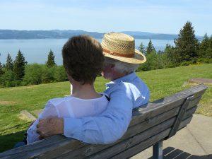 כבד את אביך ואת אימך: מצוות הטיפול בהורים קשישים