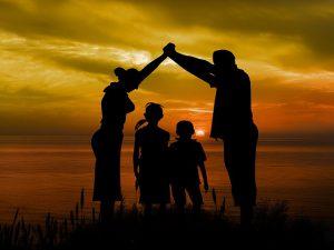 אימוץ ילדים על פי ההלכה: כל מה שצריך לדעת