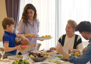 ארוחת ערב משפחתית: איך הופכים אותה לטבעונית?